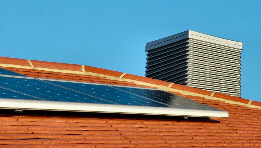 photovoltaic-array-2-1235627-1919x1085